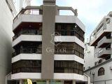 PRÉDIO FRENTE MAR COM VISTA LATERAL Cód. V1579  3 Dorm. Sendo 1 Suíte      Avenida Nereu Ramos , Meia Praia - Itapema / SC